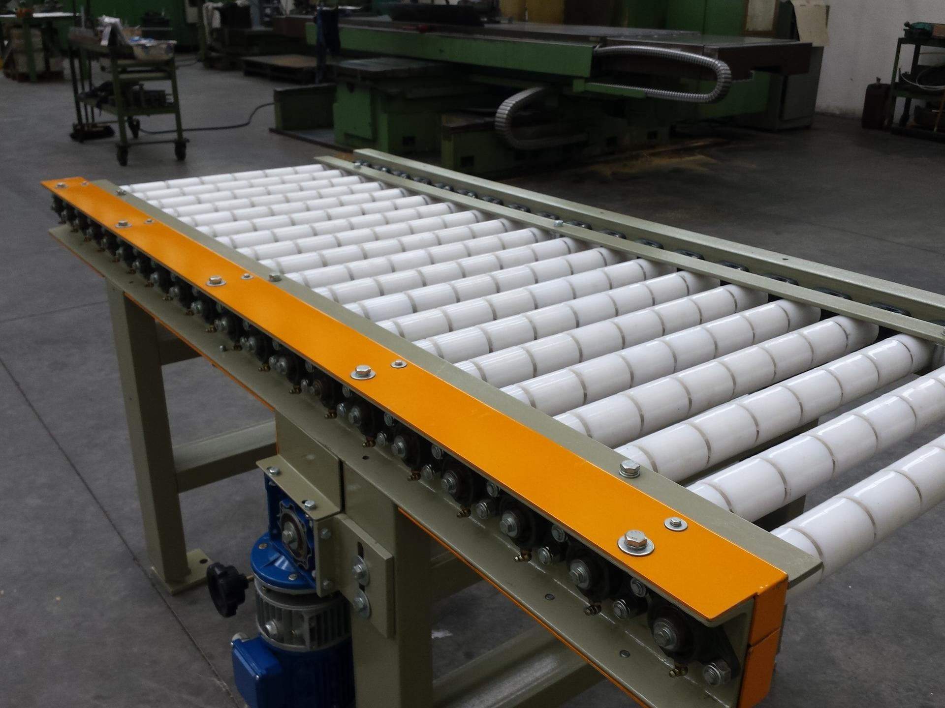 Idle roller, motorized roller or roller with clutch in nylon or stainelss steel